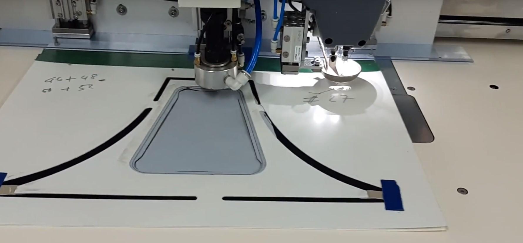 máy may lập trình tự động