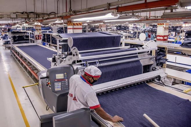 Tự động hóa ngành may công nghiệp với máy in sơ đồ tự động cho hiệu quả cao